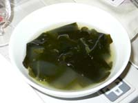 ピビンバに添えられたわかめスープ