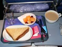 ラン航空:エコノミー機内食(軽食)