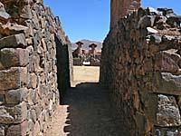 ラクチ遺跡住居跡の路地