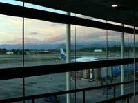 サンティアゴの空港で日が暮れる