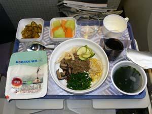 大韓航空:ロス-成田エコノミークラスのピビンバ