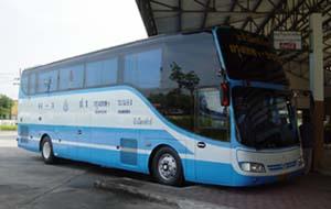 他社のバス