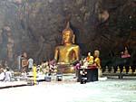 カオルワン洞穴内にある仏様