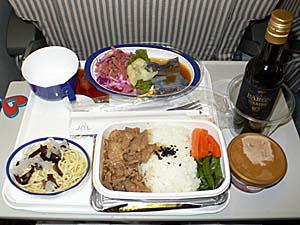 日本航空 台湾線 台北発は生姜焼き丼