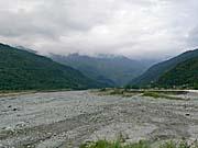 ほとんど水の流れがない紅葉渓