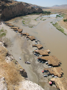城塞からティグリス川を見下ろす