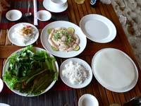 ゴイカーボップ:魚のサラダ