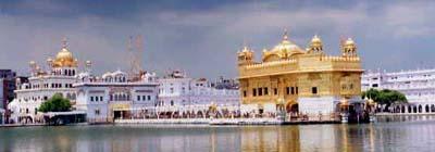 橋と黄金寺院