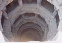 階段井戸:一つ目の井戸を上から見たもの