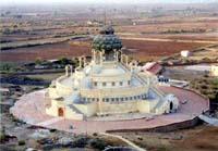 建設中の寺院