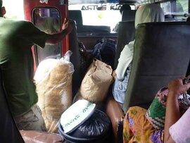 ロンボク島のはずれスコトン半島の交通事情を語る。