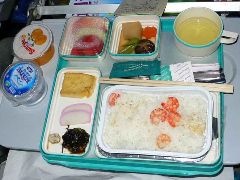 ガルーダ・インドネシア航空 久々にまずい機内食・・・。