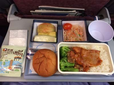 CI コロール-台北機内食豚