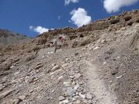 サスポール村のニダプク石窟