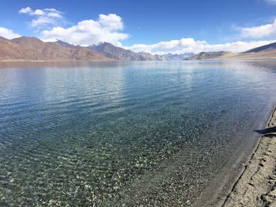 ラダックの旅:天空の湖パンゴンツォ。