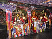 チェムレゴンパの仏像