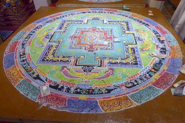 へミスゴンパの砂曼荼羅