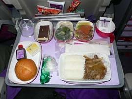 久々のタイ航空。多少サービスがお正月バージョンでした。