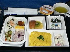 ソンクラン参戦2014はANAの羽田便で。PGは国内線も機内食あり。