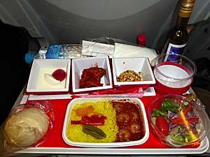 ベトナムへは久々の日系航空会社JALは機内食がおいしい♪