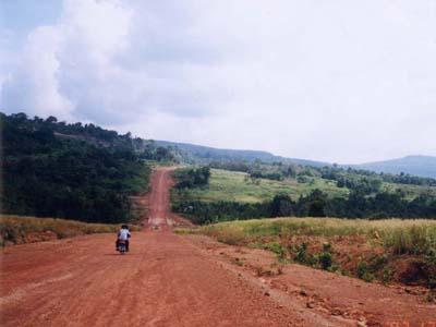 タイとカンボジア国境:ココンの国境ひ~らいた!