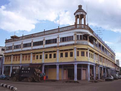 旧日本人倶楽部のあった田舎町バトゥパハ。