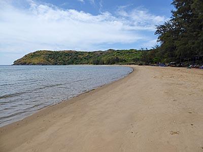 コンダオ島の海:Dram Trauで飛行機のおなかを真上に見ながら泳いだり。