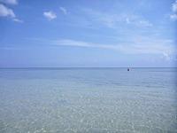オンドゥンビーチの海 水は澄んでいる