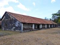 刑務所の建物