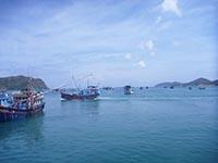 コンダオ島の港