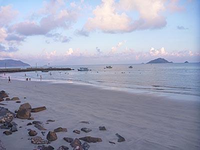 夕方の海水浴場